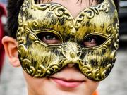 10 Carneval 2013, boy with golden mask