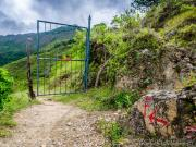 06 Green gate on the Cascada trail