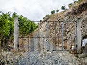 02 Trailhead metal gate Lambanuma-pass