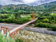 10 Doble suspension bridge rio Piscobamba, Quinara