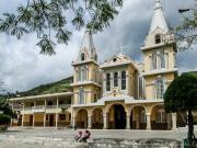 16 Yangana-Church