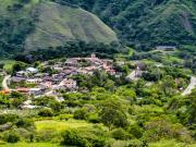 04 The compact village of San Pedro de Vilcabamba seen from the Gararango trail