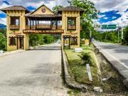 14 Entrance arch of Vilcabamba
