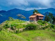 Exposed ridge house, Mollepamba